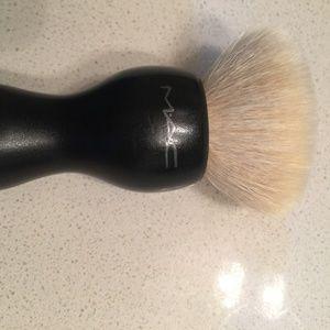 Mac 180 buffer brush